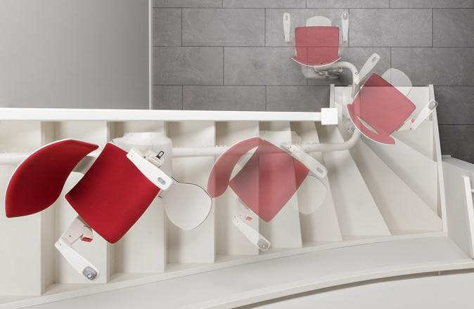 L'Otolift Modul-Air est un monte-escalier adapté à une courbe intérieure. Grâce au siège pivotant automatiquement, vous pouvez toujours descendre en toute sécurité.