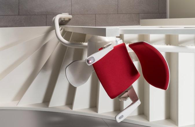 Grâce à la Reverse Drive Technology, le Modul-Air peut même être installé sur les escaliers très étroits.