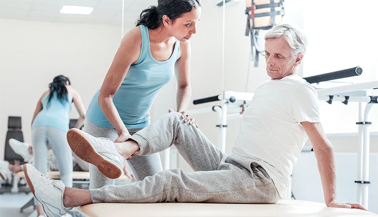 physiotherapeute aide arthrose du genou